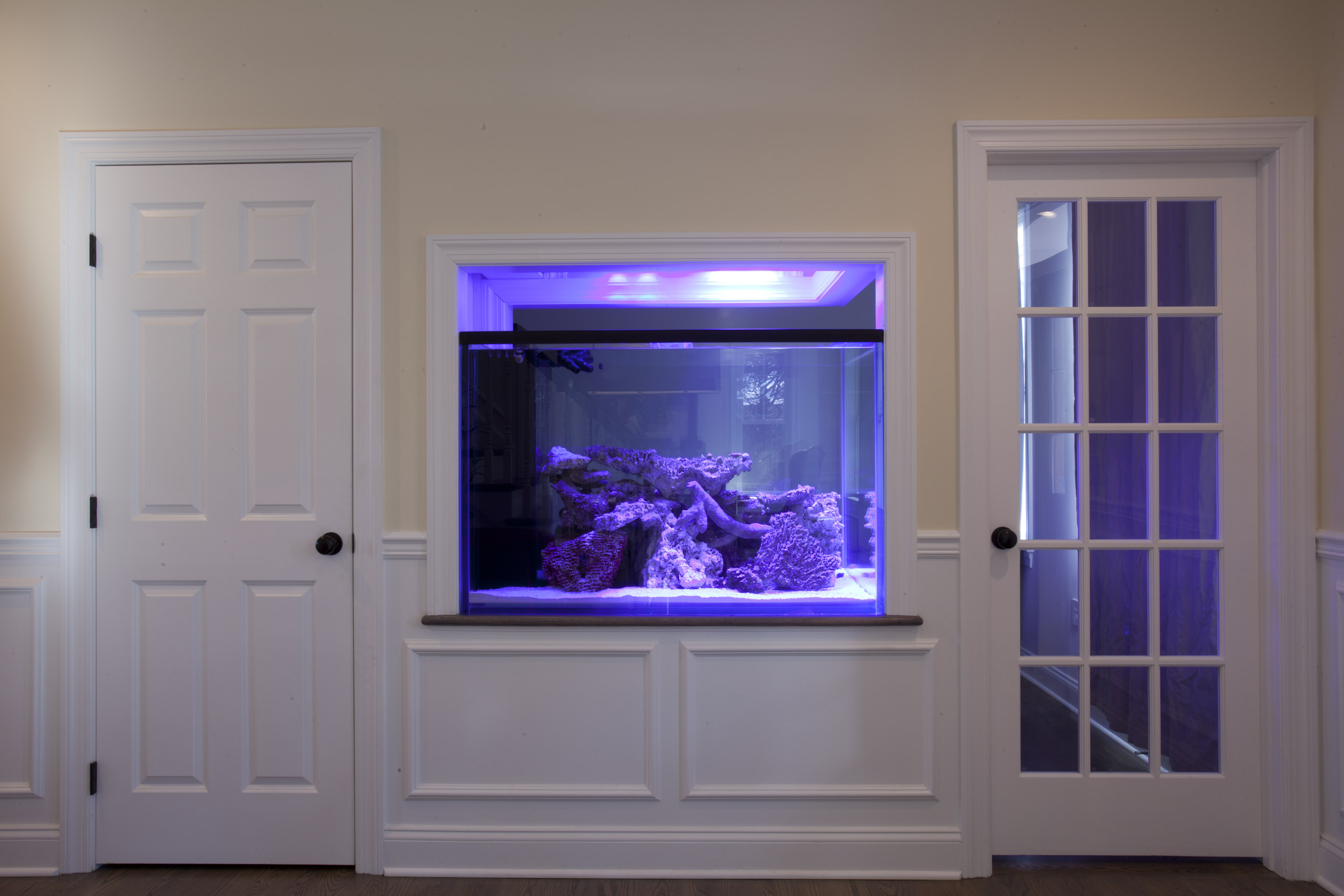 Aquarium Built In To A 28 Images White Stand